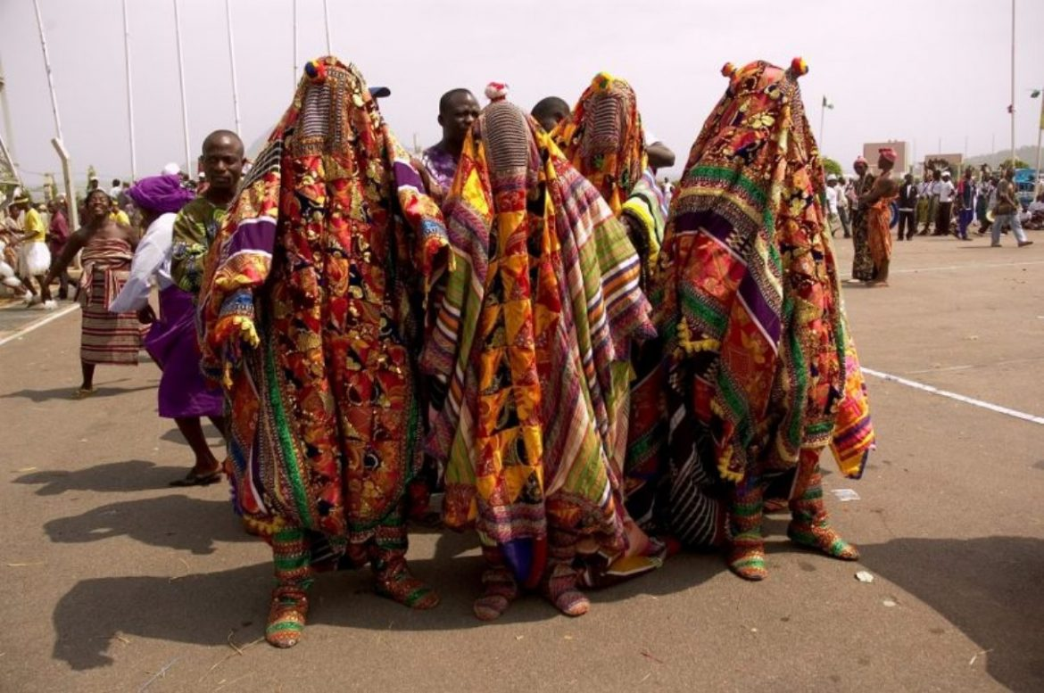 [NEWS] SO SAD: One Person Dead, Children, Others Injured As Masquerades Attack Muslims In Osun State